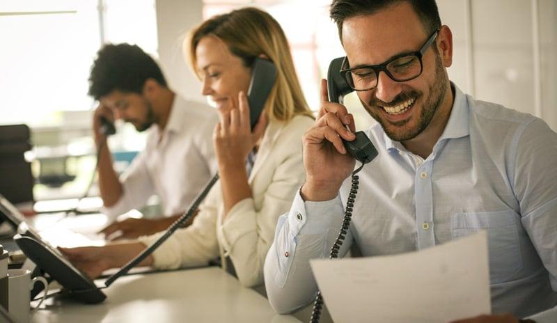 comment-avoir-des-adresses-mails-de-prospects-service-client